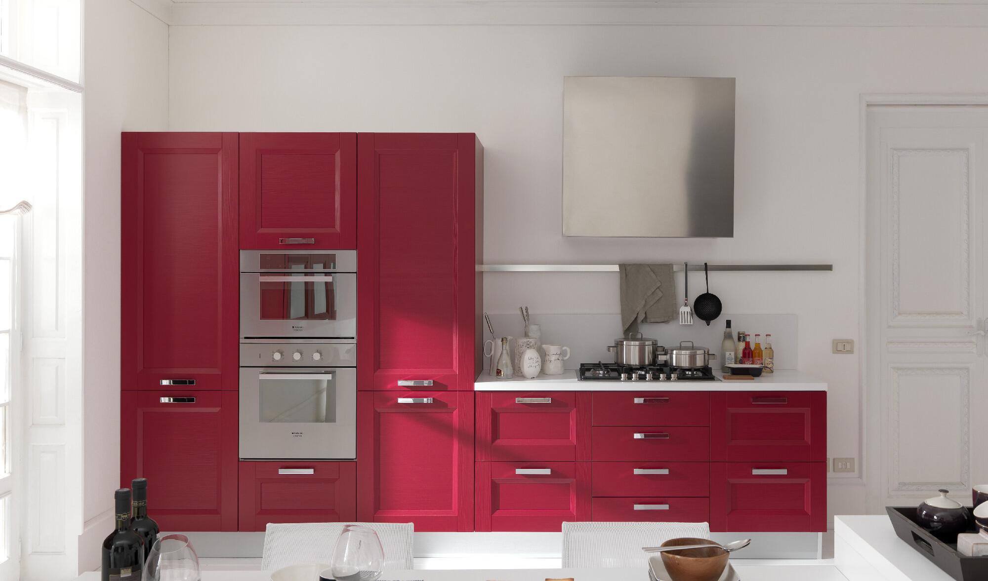 Cucina in rosso passione contemporanea arredo casa roma for Cucina e roma